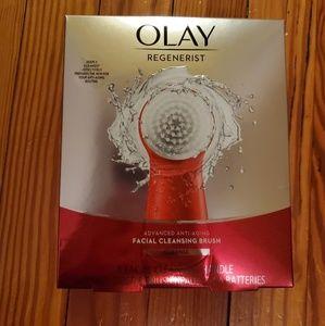 Olay Regenerist Facial Cleaning Brush